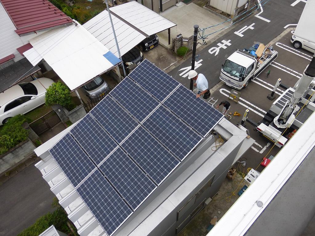 太陽光発電設備の導入(本社倉庫屋上)